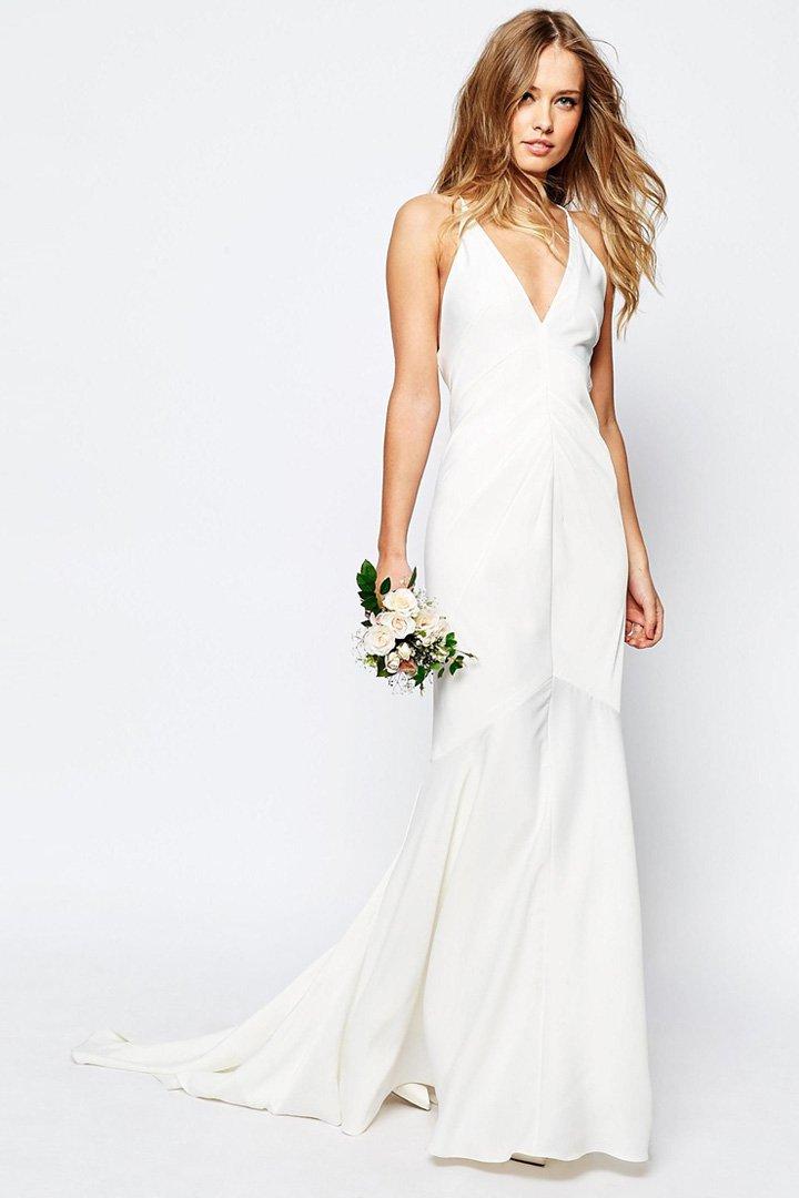 Vestido de novia con cola de Asos