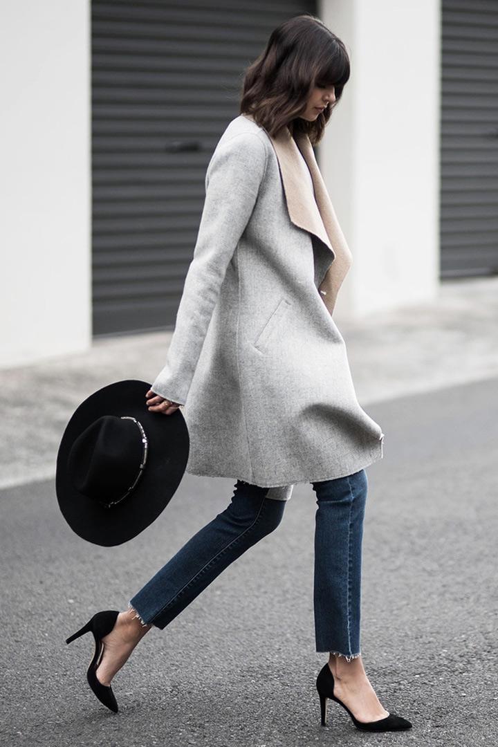 abrigo de corte recto sombrero y stiletto negro. badlands looks que no pasan de moda