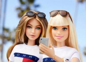 ¿Quién es la modelo que ha logrado su propia versión Barbie?