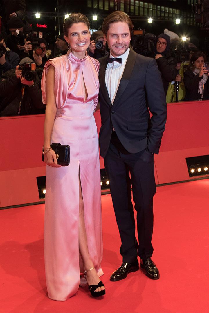 Daniel Bruhl y Felicitas Rombold en la Berlinale 2018