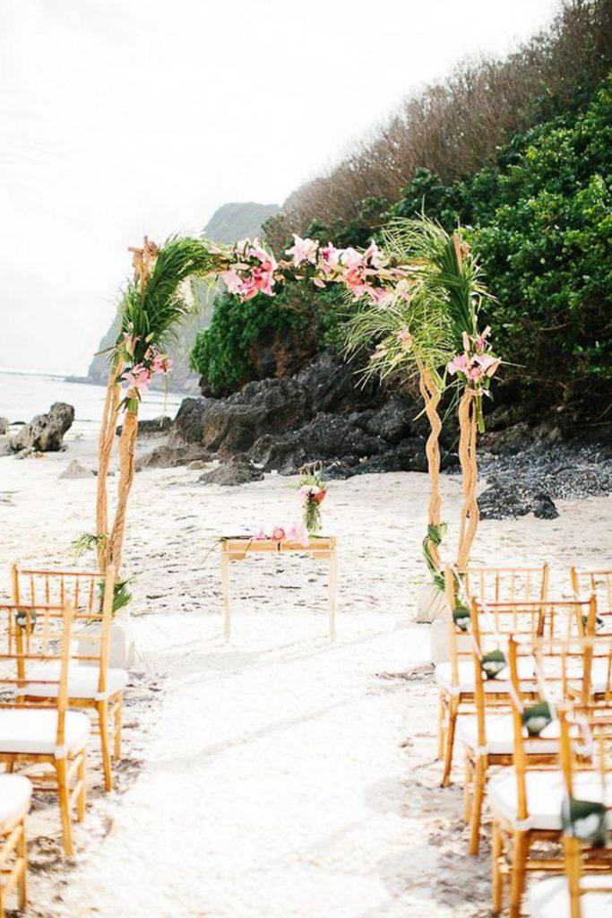 Ideas para casarse en la playa: altar