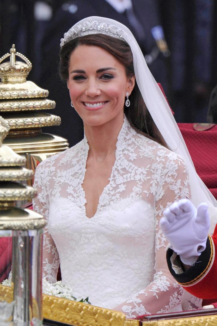 kate middleton los vestidos de las princesas de sarah burton for alexander mcQueen