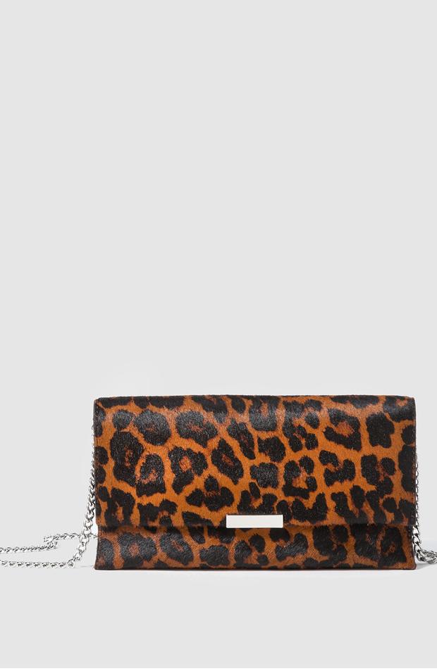 Cartera de mano Tab de print de leopardo de Loeffler Randall: invitada de invierno