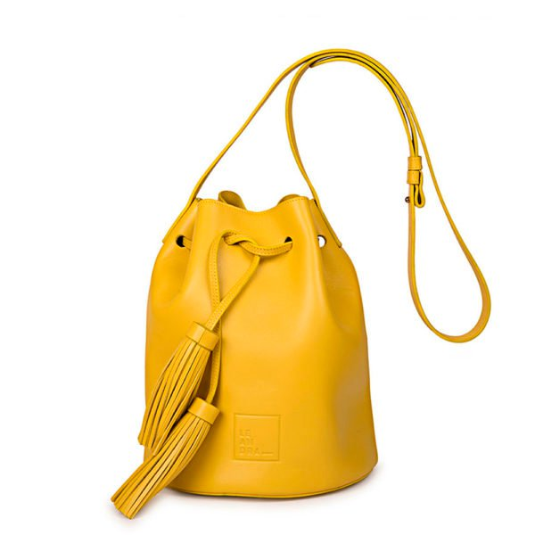 Bolso amarillo de The Oh Store