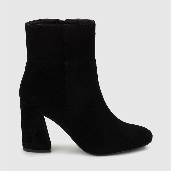 51c9fd183f3 Si vas a comprarte unos botines este otoño que sean estos - StyleLovely