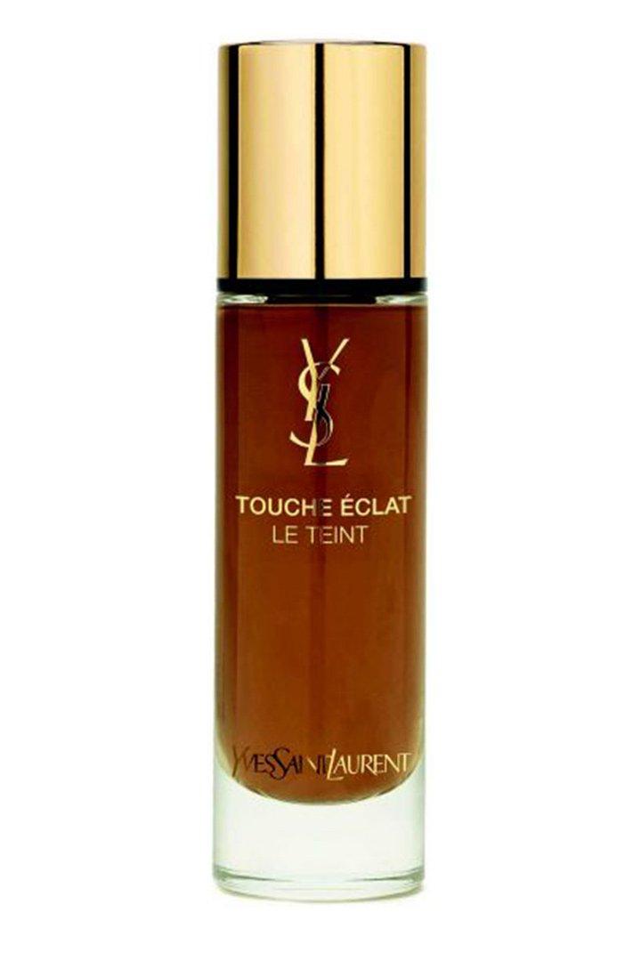 Beigerosé 80 el tono más oscuro de la colección Touche Éclat Le Teint