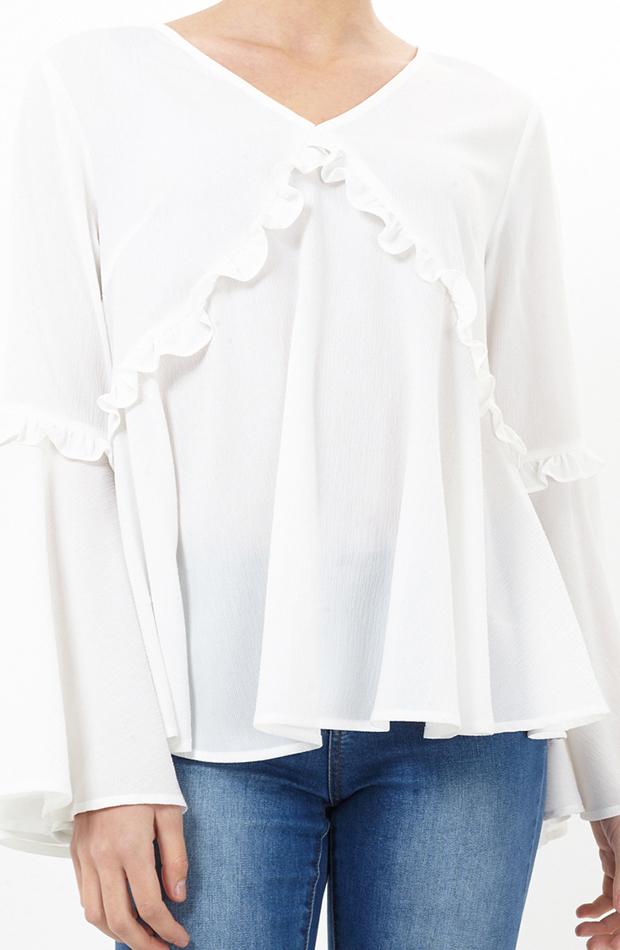 Blusa con volantes y manga campana de Brave Soul: blusas día y noche