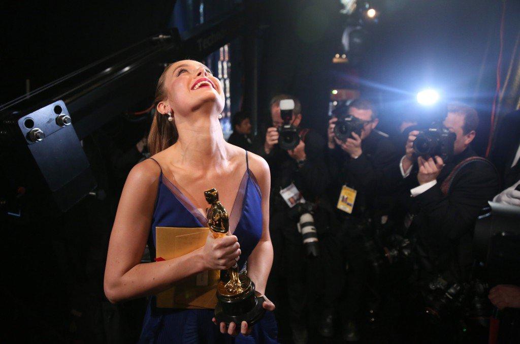 Brie Larson no pudo contener su emoción al recibir el premio © GtresOnline