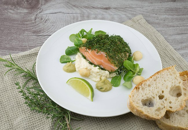 Tomar salmón para conseguir un bronceado duradero