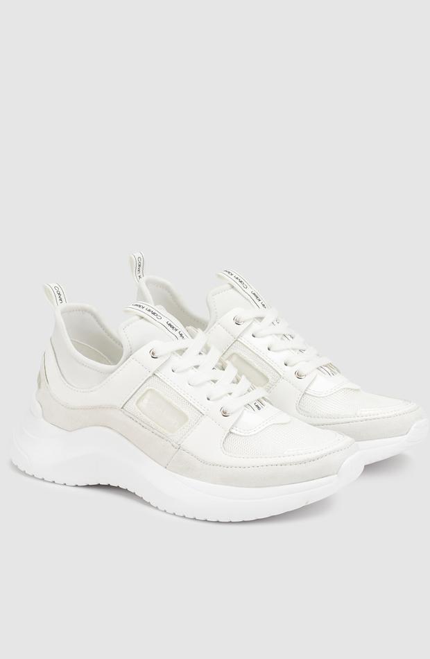 Zapatillas de piel de color blanco con suela XL de Calvin Klein: zapatos primavera