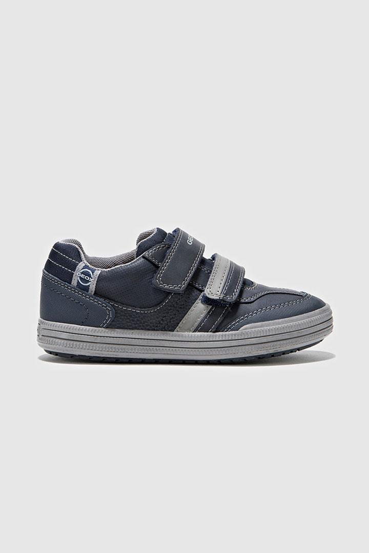 Zapatillas de velcro de la marca Geox