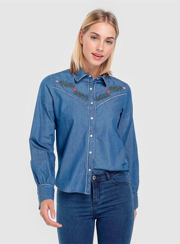 Camisa de tejido denim con bordados