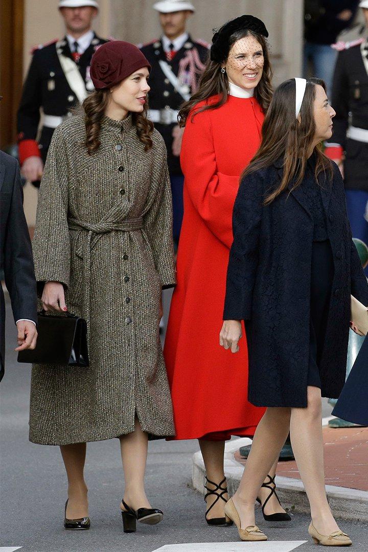 Carlota Casiraghi con abrigo vintage