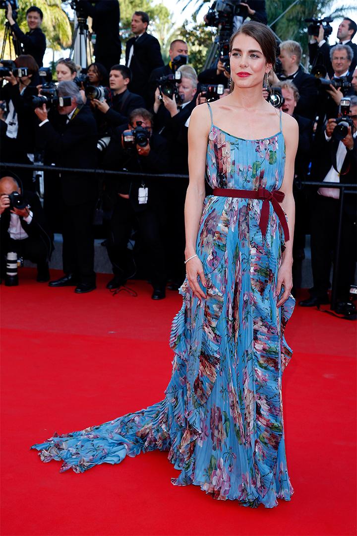 Carlota Casiraghi con vestido de flores en el festival de Cannes