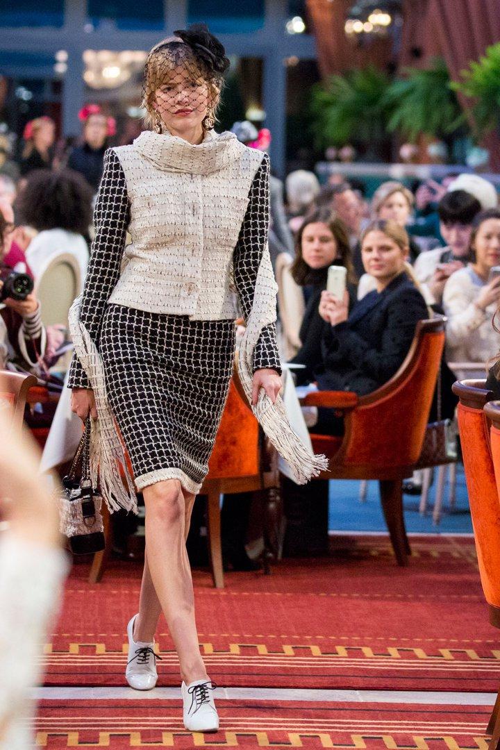 desfile #ParisCosmopolite de Métiers d'Art de Chanel 29