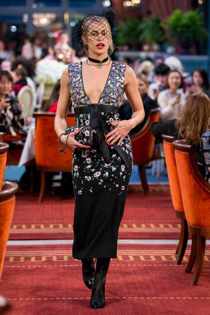 desfile #ParisCosmopolite de Métiers d'Art de Chanel 31