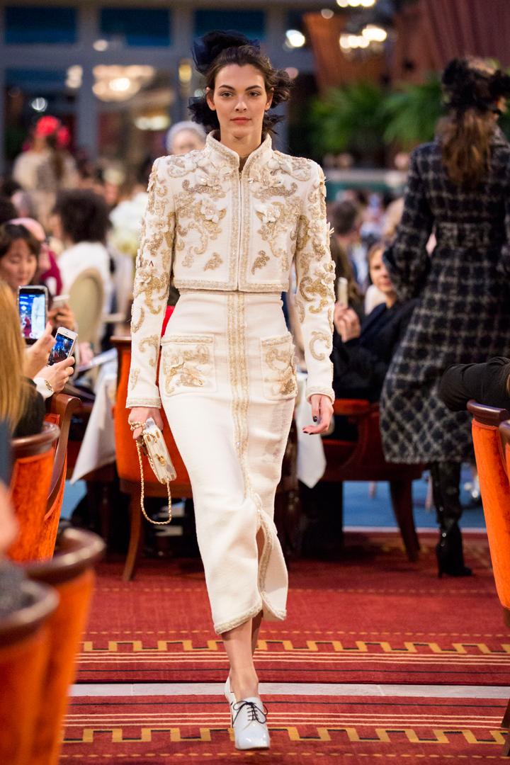 desfile #ParisCosmopolite de Métiers d'Art de Chanel 30