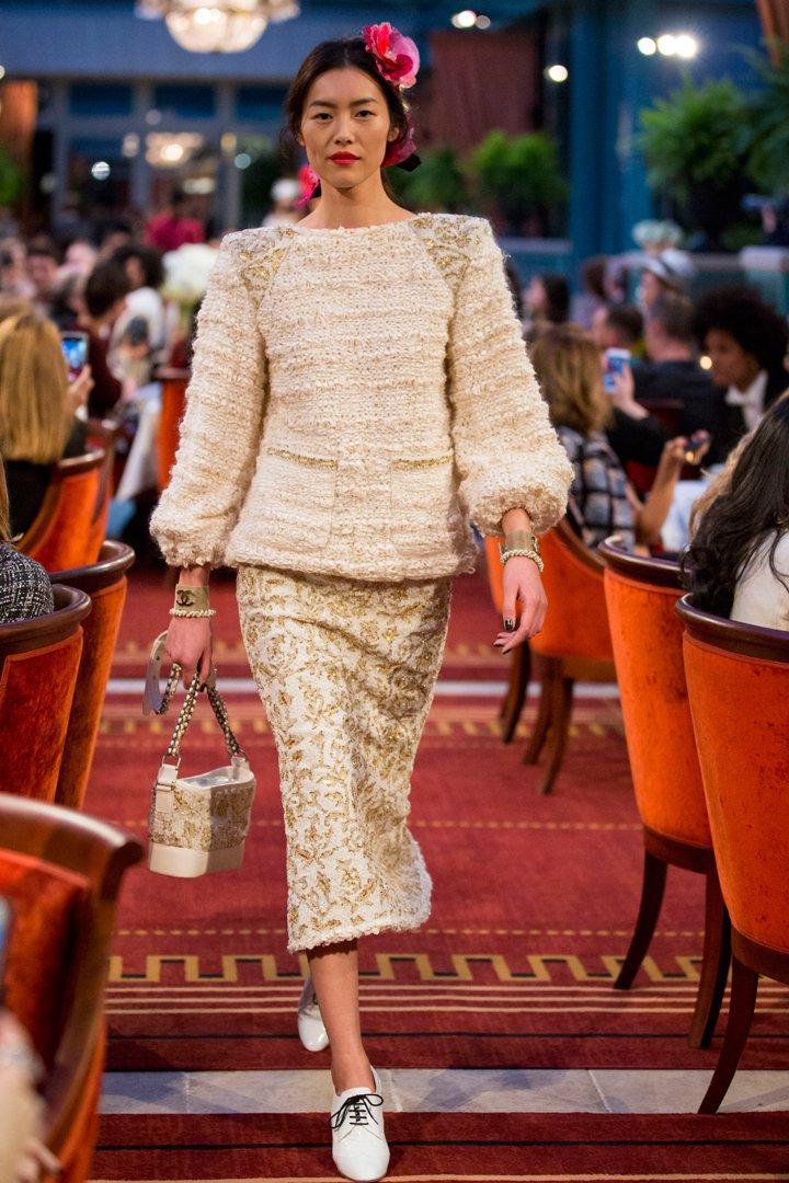 desfile #ParisCosmopolite de Métiers d'Art de Chanel 28