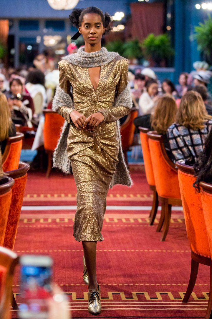 desfile #ParisCosmopolite de Métiers d'Art de Chanel 17