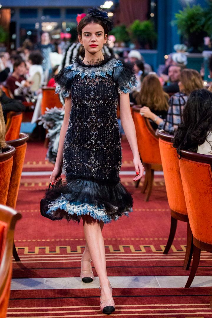desfile #ParisCosmopolite de Métiers d'Art de Chanel 14