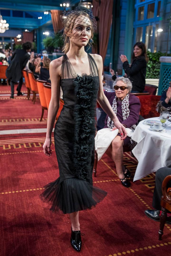 desfile #ParisCosmopolite de Métiers d'Art de Chanel 12