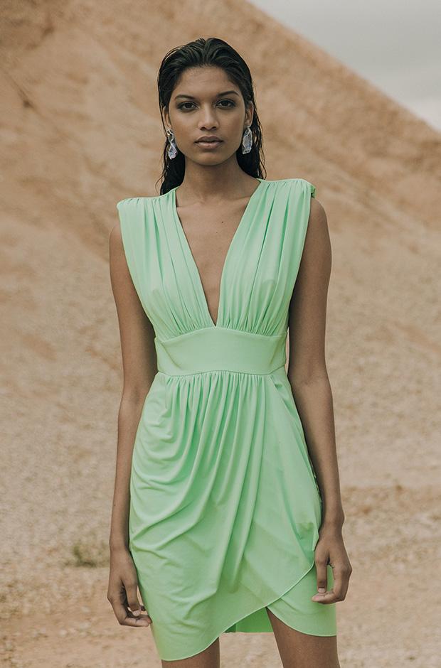Vestido verde de la colección SS19 de Colour Nude