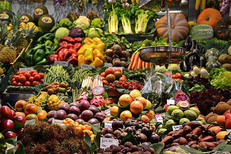 Cómo ahorrar y seguir comiendo bien: comprar alimentos de temporada