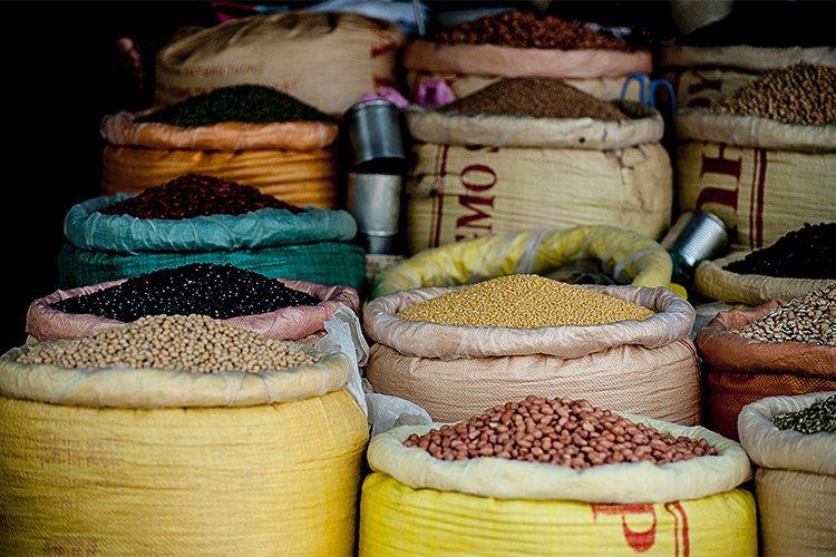 Cómo ahorrar y seguir comiendo bien: comprar a granel