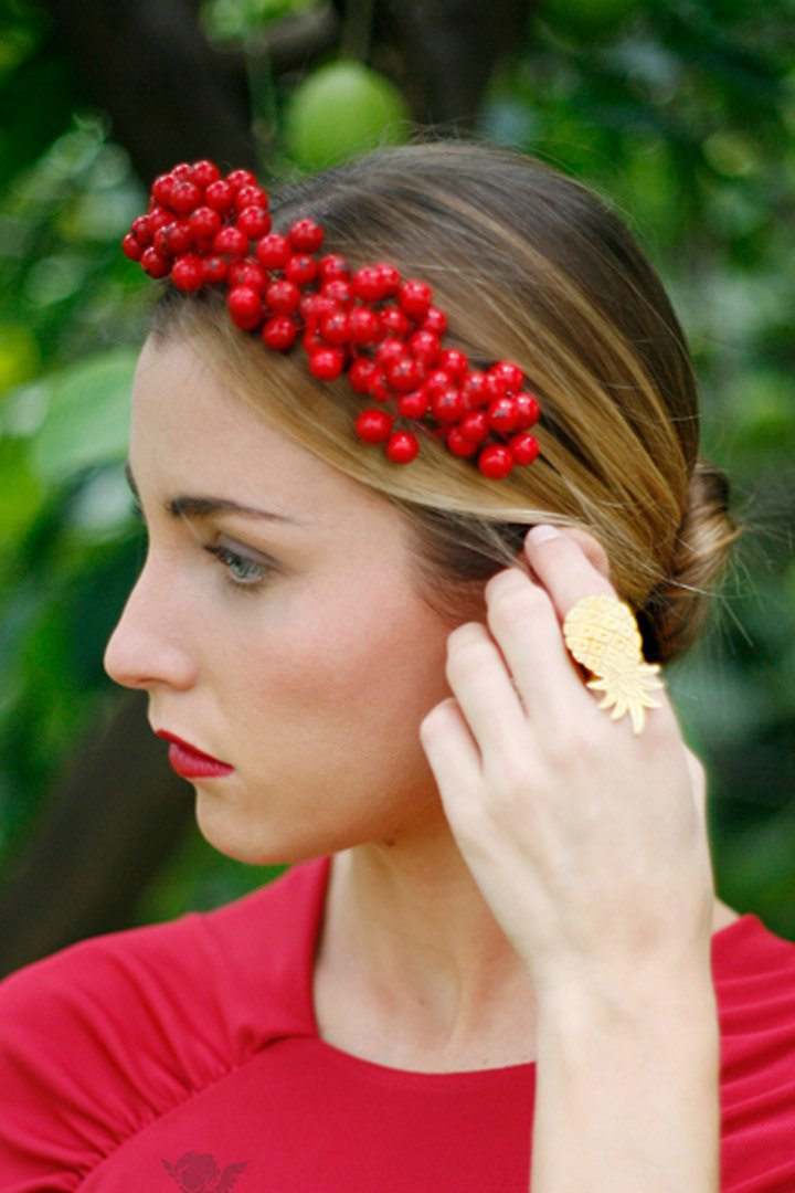 tiara roja de cherubina