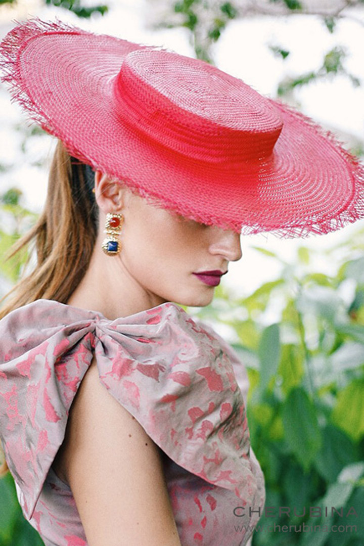 Canotier rosa de Cherubina