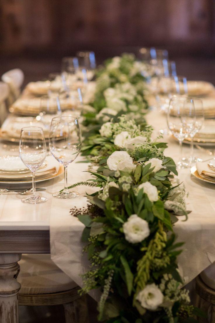 Caminos de mesa de flores decoraci n flores confesiones for Adornos para bodas con plantas
