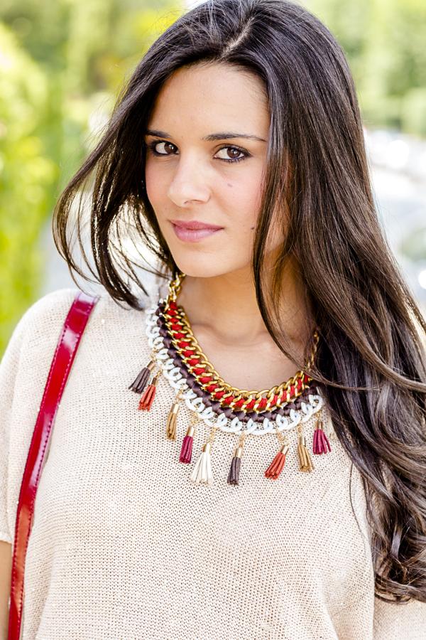 DIY Collar con borlas Crimenes de la Moda