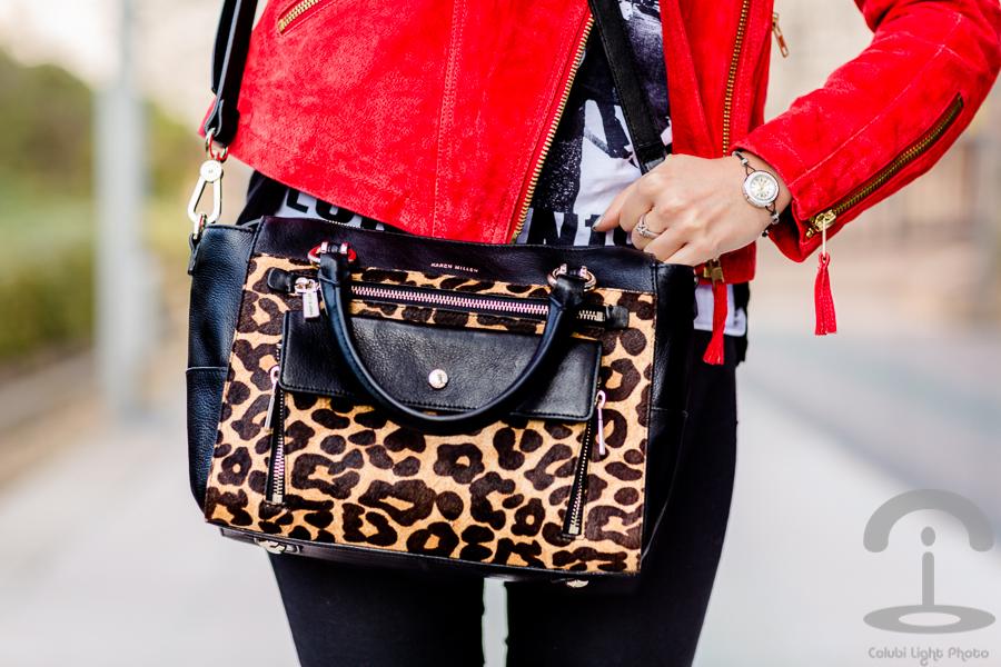 Cazadora roja + Bolso leopardo Crimenes de la Moda