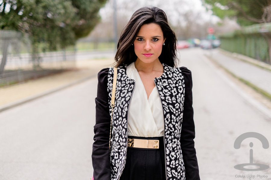 Chaqueta leopardo blanco y negro Crimenes de la Moda