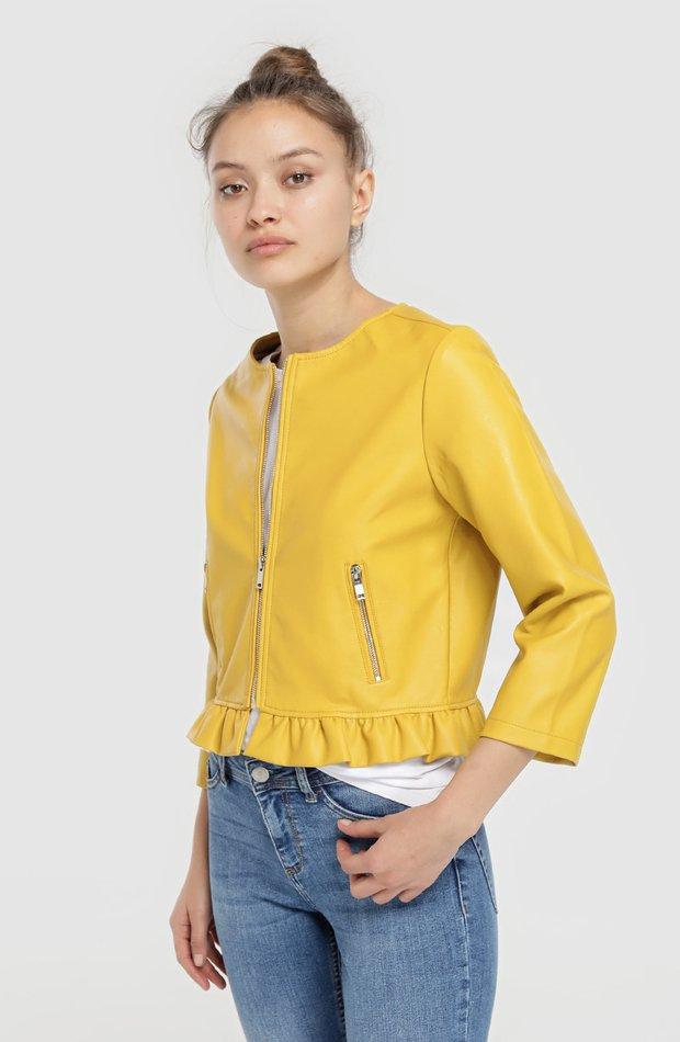 Cazadora de polipiel con volantes de Easy Wear: chaqueta temporada 2019