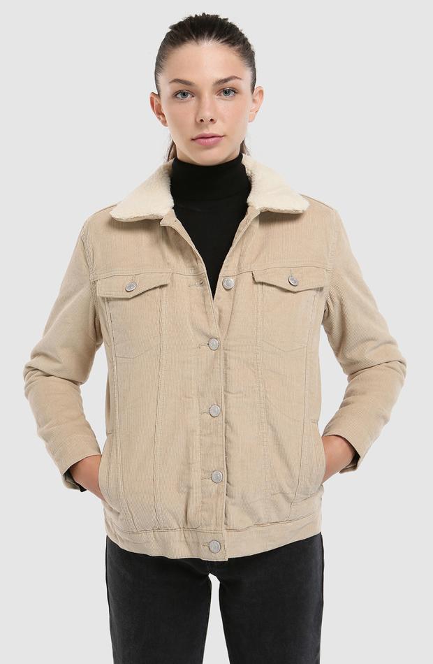 Cazadora de pana con borrego de Easy Wear: prendas que no te pueden faltar