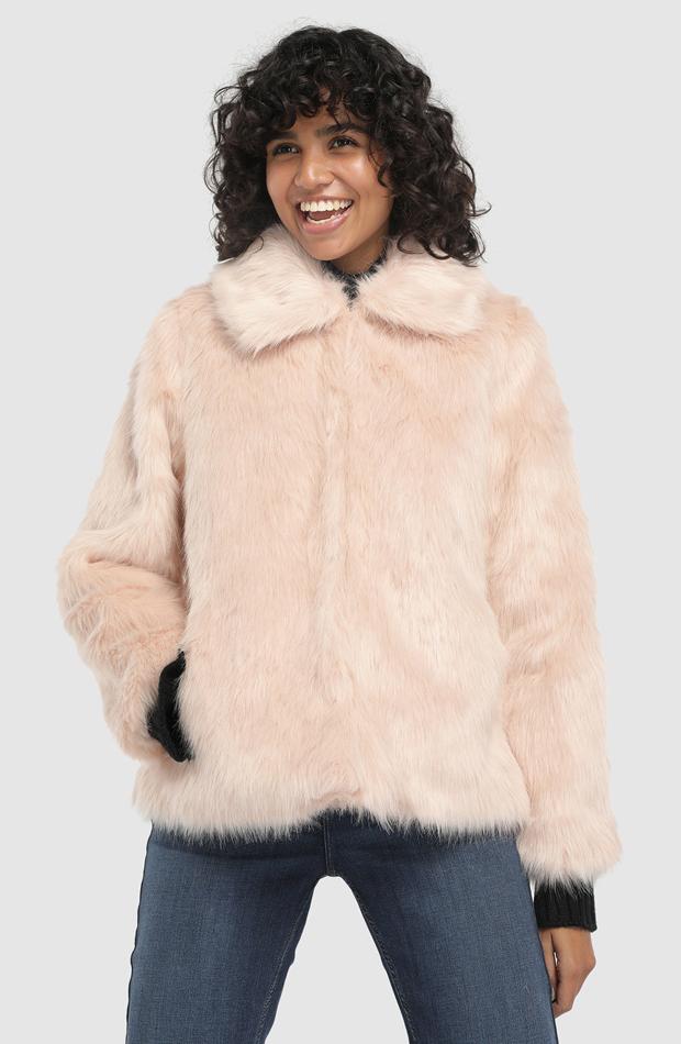 Chaqueta con pelo en color rosa de Easy Wear: abrigos tendencia