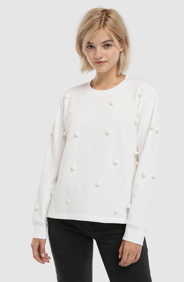 Sudadera con pompones y manga larga de Easy Wear: prendas que no te pueden faltar