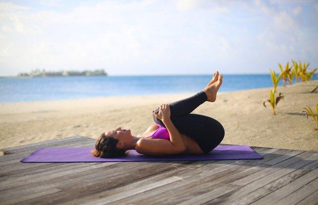 ejercicios_toalla-huevo-mar-pilates