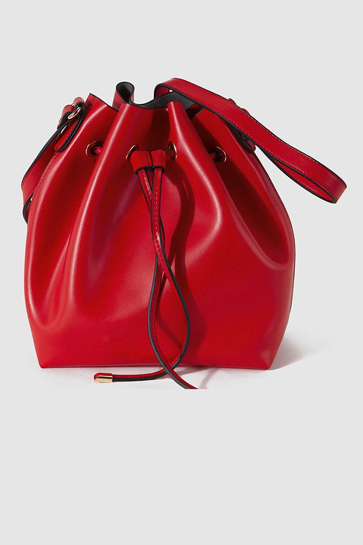 6be7734d6 Bolso saco rojo de El Corte Inglés