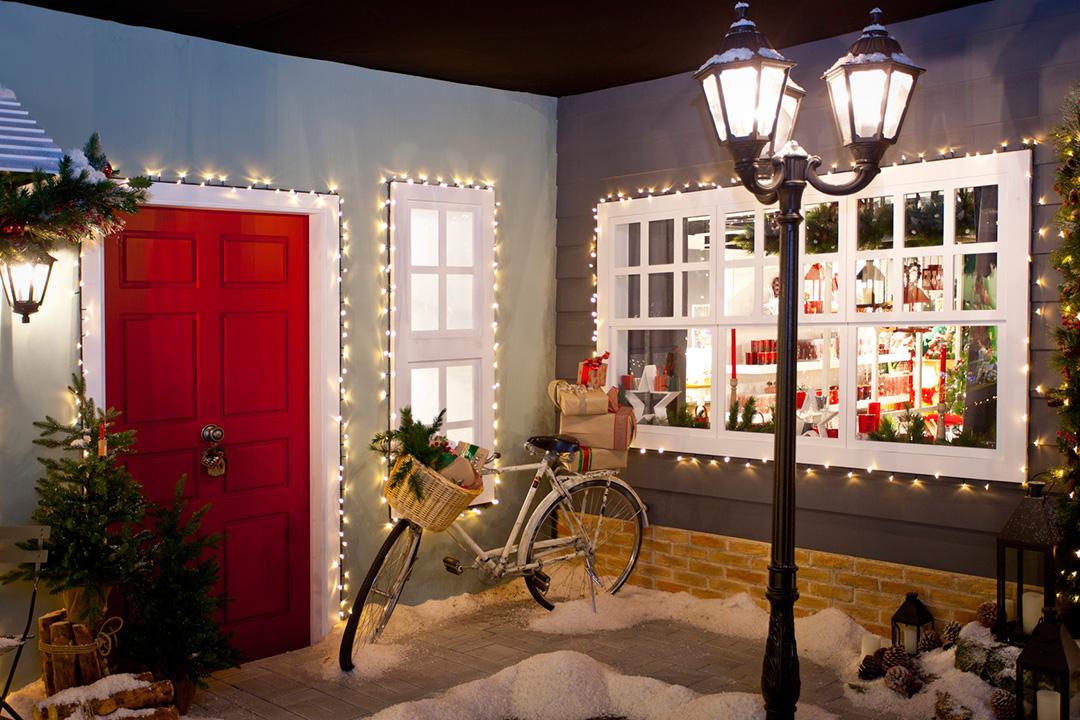 Decoraci n de navidad con luces y guirnaldas stylelovely for El corte ingles navidad