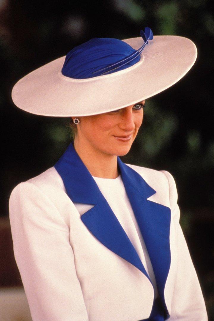 Diana de Gales con pamela