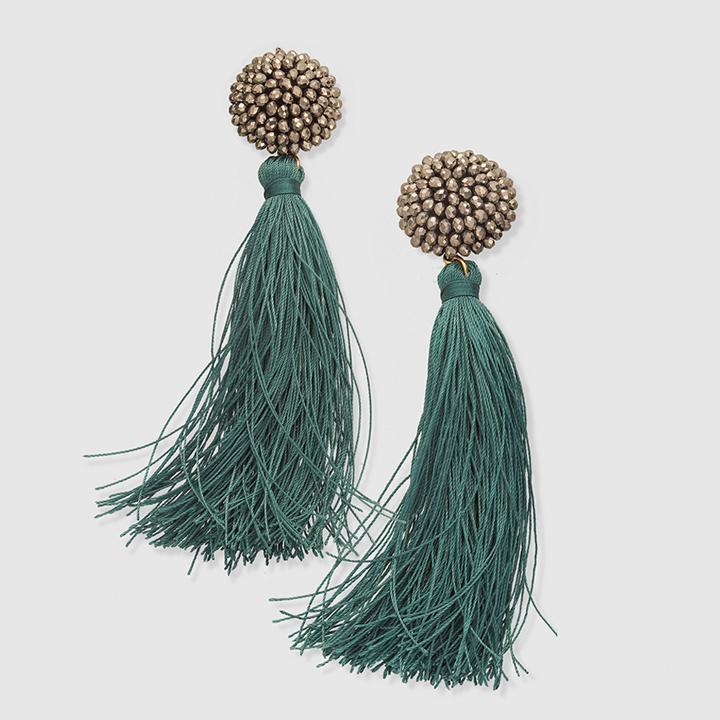 Pendientes flecos verde de El Corte Inglés: complementos look fiesta