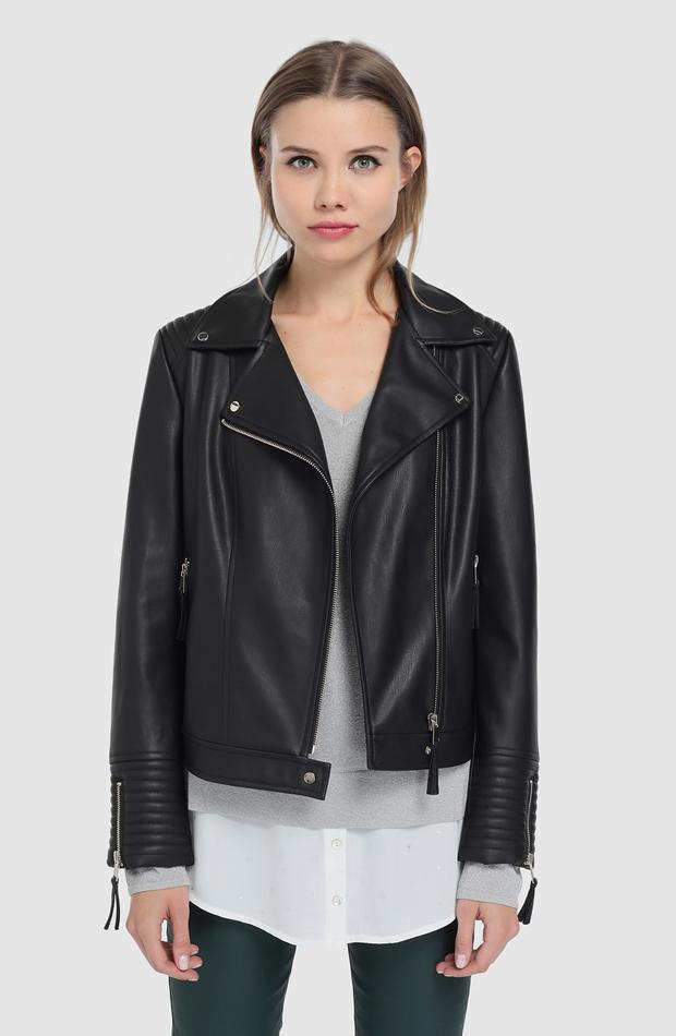 Cazadora perfecto en color negro de Elogy: prendas que no te pueden faltar