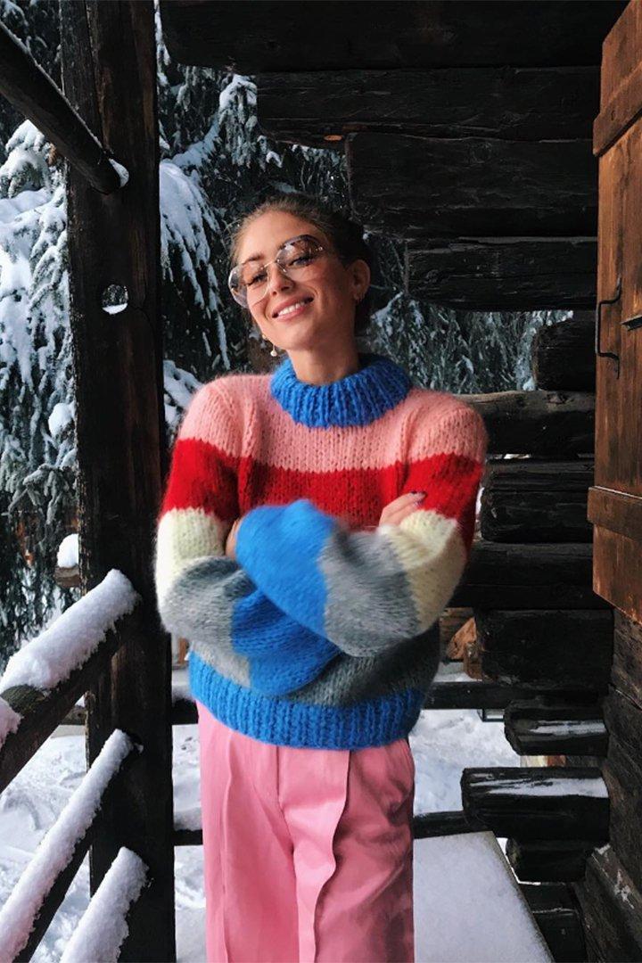 Emili Sindlev con jersey de colores