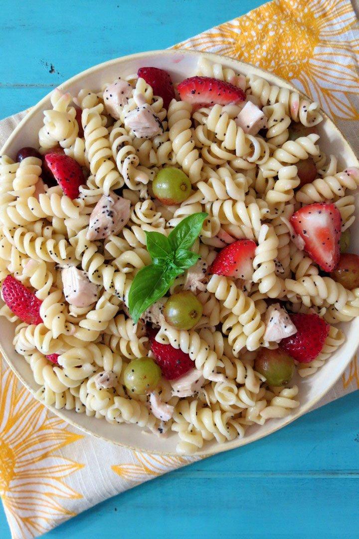 Ensalada de pasta con semillas de amapola