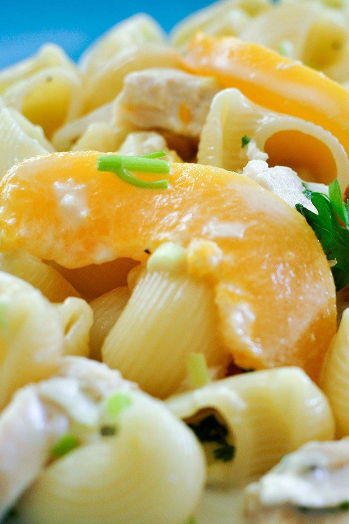 Ensalada de pasta con mango