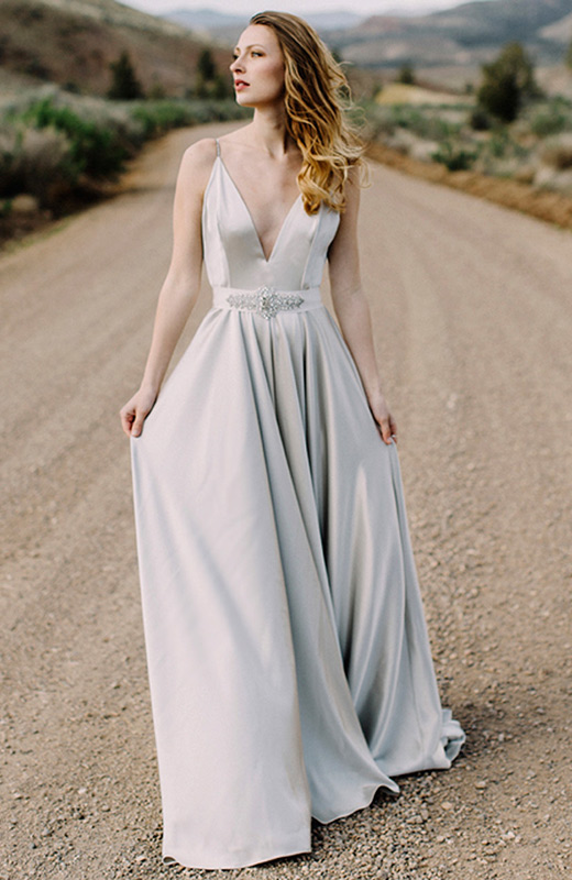 vestido largo gris perla segundas nupcias The english dept