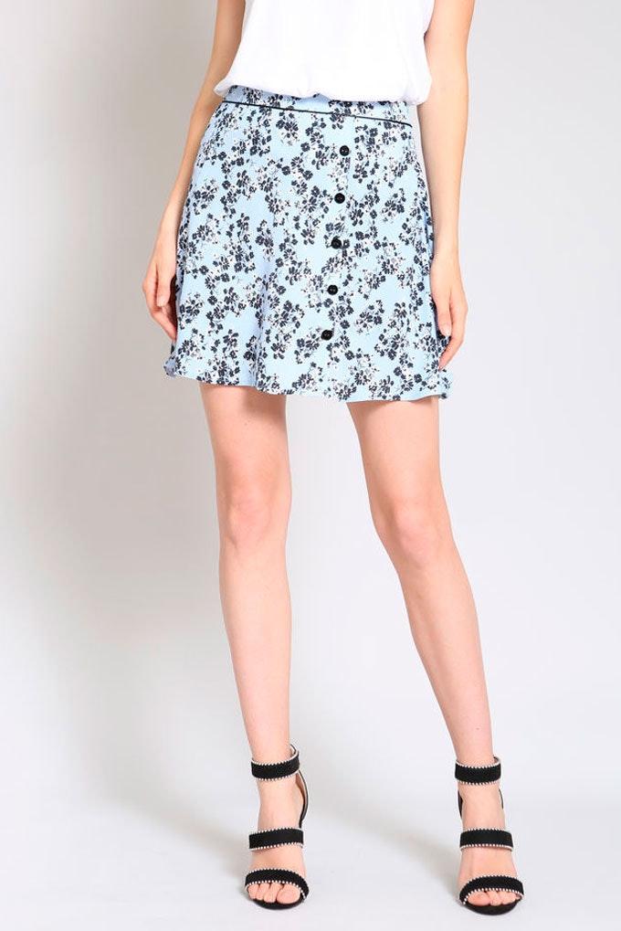 falda celeste flores