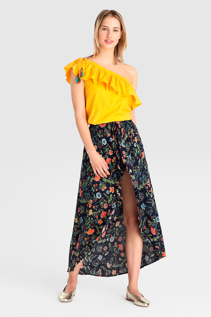 6132c69b0 La falda pareo, la estrella de la temporada - StyleLovely.com